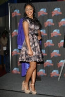 "Keke Palmer dones a ""Joyful Noise"" prop to Planet Hollywood!"